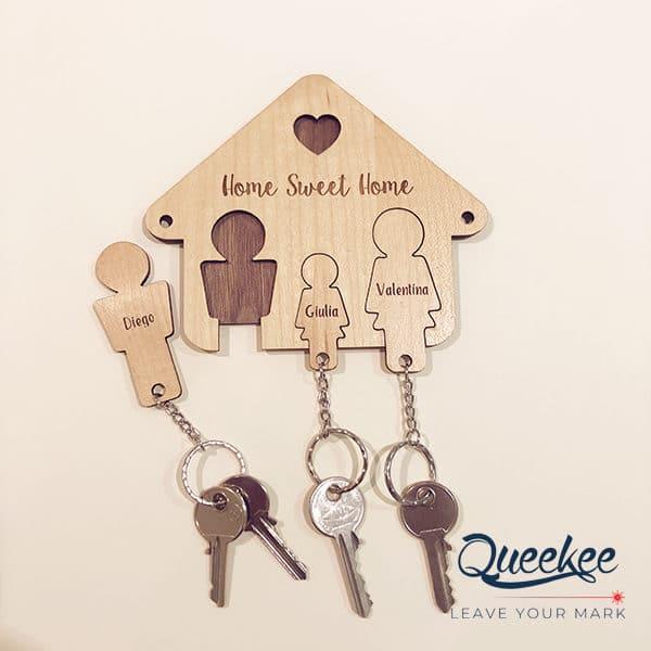 Casetta legno portachiavi famiglia personalizzata