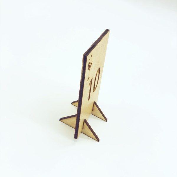 segnatavoli in legno personalizzati