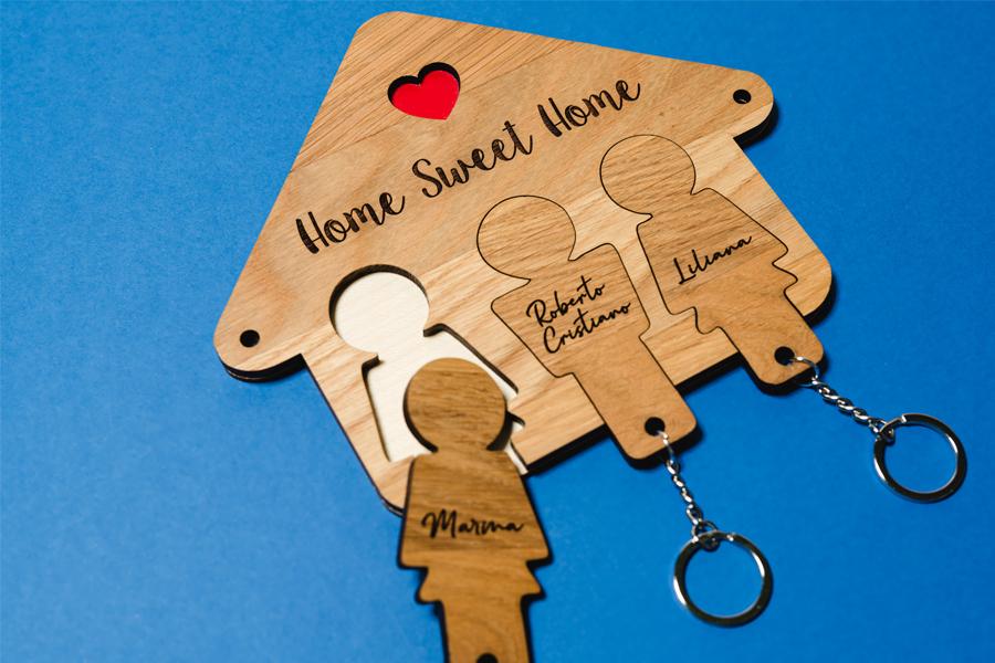 casetta portachiavi in legno personalizzata